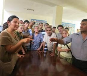 Члены таджикского общества глухих просят их не выселять, иначе они намерены устроить акцию протеста