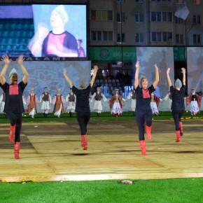 """Актёры театра """"Радуга"""" приняли участие в открытии фестиваля """"Сожскi карагод"""""""