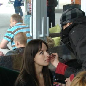"""Неслышащая девушка снялась в рекламе """"Садочок"""""""