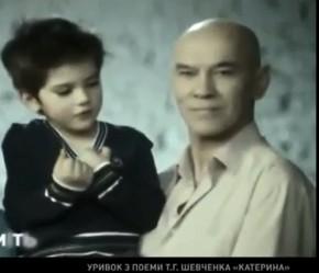 Семья Александра Мягких снялась в межпрограммном ролике «Передамо мудрість далі»